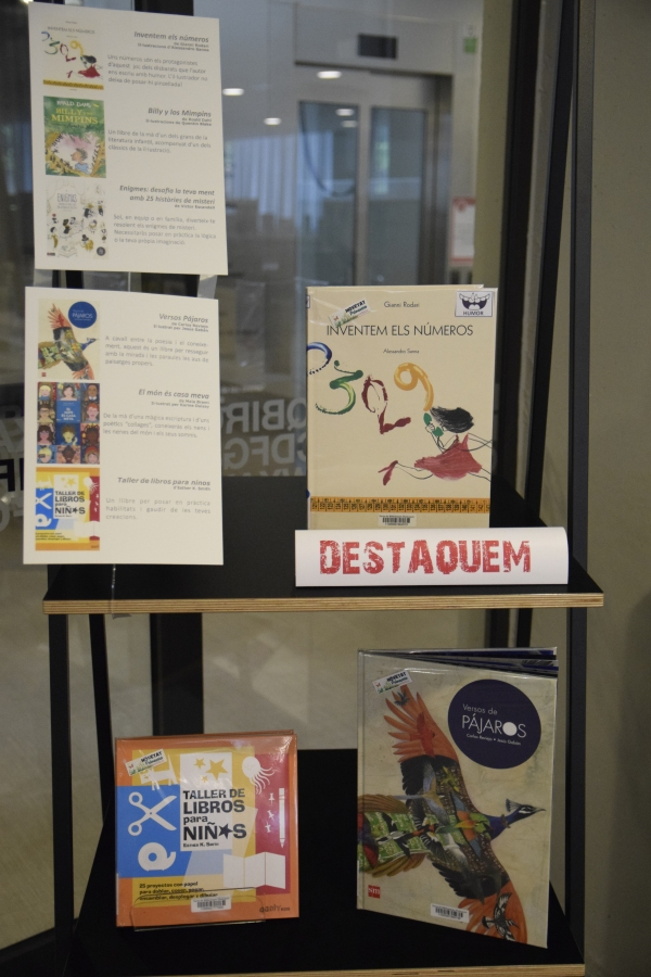 Fotografia de'exposició de llibres infantils destacats