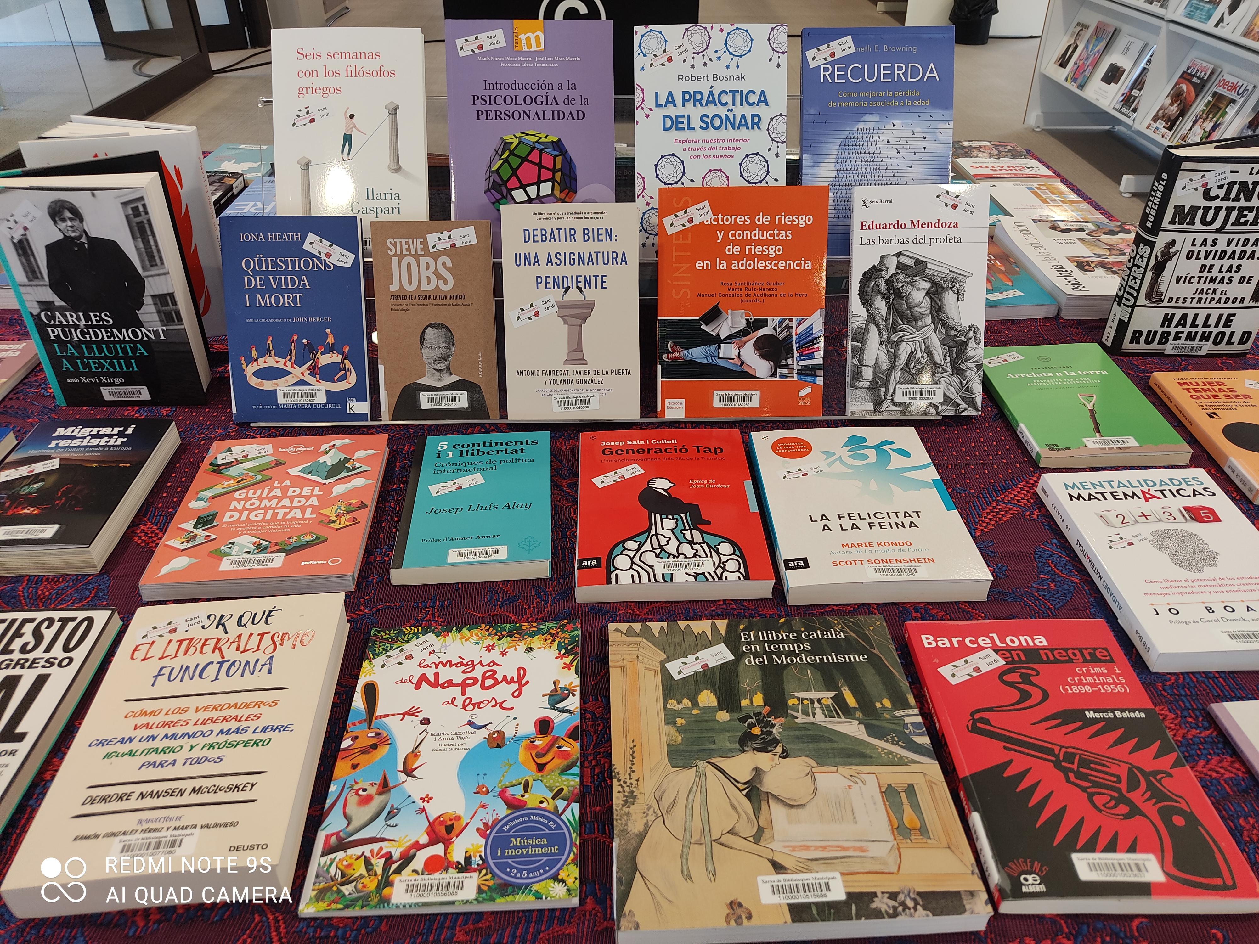 Imatge de diversos llibres exposats